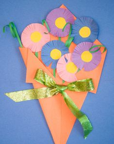 Make a paper floral bouquet for Mother's Day that looks as beautiful as real flowers and will last much longer!
