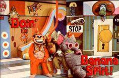 my childhood memory - the Banana Splits The Banana Splits, One Banana, 70s Cartoons, Saturday Morning Cartoons, Old Shows, We Are Young, Kids Tv, Friends Show, Retro Toys