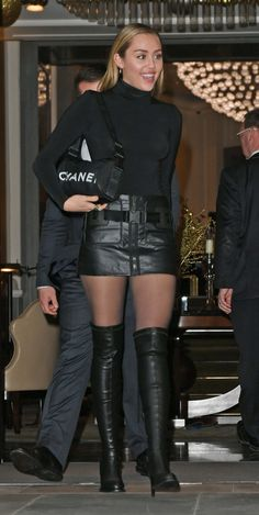 Miley Cyrus leaving her London hotel in black leather micro miniskirt and OTK boots - Anna Confalone Miley Cyrus Outfit, Miley Cyrus Style, Miley Cyrus Hair, Looks Style, Fashion Outfits, Womens Fashion, Celebrity Style, Celebrity Photos, Celebs