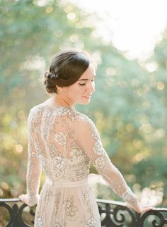 Photography: Alisa Ferris - www.alisaferris.com Wedding Dress: BHLDN - http://bhldn.com Hair + Makeup: Carolyn Jones Makeup - http://carolynjonesmakeup.com   Read More on SMP: http://www.stylemepretty.com/2016/05/05/the-wedding-photographer-didnt-show-up-heres-what-happened-next/