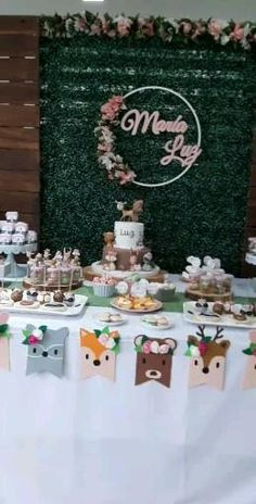 Baby Girl Birthday Cake, Bambi Baby, Baby Shawer, Ideas Para Fiestas, Baby Makes, Woodland Party, Card Stock, Sewing Projects, Holiday Decor