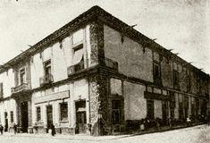 En 1834, un viajero inglés recorrió las calles de la Ciudad de México y tuvo la misma impresión que Bernal Díaz del Castillo había tenido tres siglos antes: sintió que estaba atravesando un sueño.