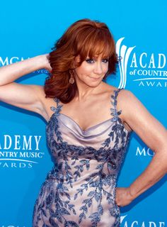 Reba McEntire Annual Academy Of Country Music Awards - Arrivals Country Music Awards, Country Music Artists, Country Women, Country Girls, Reba Mcentire Concert, Hottest Female Celebrities, Celebs, Dolly Parton Kenny Rogers, Country Woman Magazine