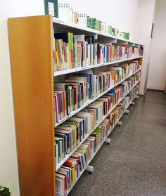 Racó de pares a l'Àrea Infantil de la biblioteca.