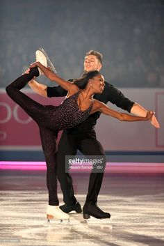 Vanessa James and Morgan Cipres of France perform in the gala exhibition during the day 4 of the ISU World Team Trophy 2017 on April 23 2017 in Tokyo. Vanessa James Morgan Cipres, Love On Ice, Mixed Couples, Figure Skating Dresses, Interracial Couples, Attractive People, Ice Skating, Leotards, Skate