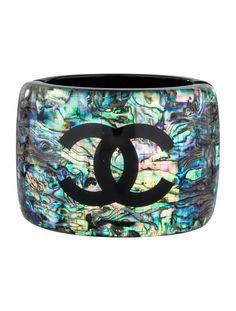 Luxury Mother of pearl. Chanel ( Jewellery ) シャネル の 螺鈿