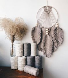 Macrame Design, Macrame Art, Macrame Projects, Macrame Knots, Micro Macrame, Macrame Wall Hanging Patterns, Macrame Patterns, Rustic Wall Decor, Diy Wall Decor