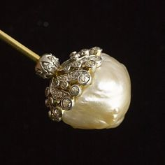 baroque pearl with diamonds hat pin Tiffany & Co. Pearl And Lace, Love Hat, Tiffany Jewelry, Stick Pins, Pearl Jewelry, Antique Jewelry, Jewlery, Hair Ornaments, Hat Pins
