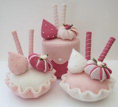 Sweet felt desserts