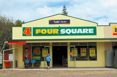Bill ✔️ 4 Four Square Store. And don't you love the mini Post Office in the bus shelter! 1970s Childhood, Childhood Memories, New Zealand Landscape, State Of Arizona, Kiwiana, All Things New, Kids Growing Up, Beach Art, Old And New