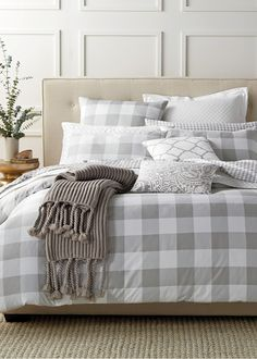 khaki gingham bedroom gracious guest bedroom decorating 1000 images about suite dreams on bedding 484