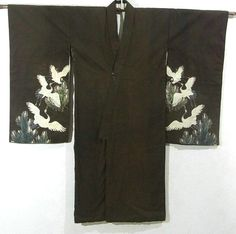 This is a vintage Kimono for boys with matsu(pine tree) and flying cranes design