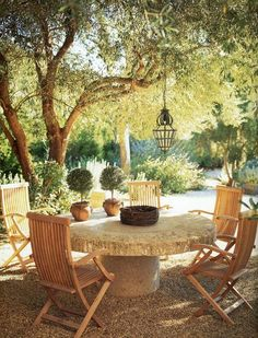 Outdoor dining, Villa di Lemma restored by the great John Saladino as his personal estate in Montecito, CA. Designed by Wallace Frost in the Image via Cote De Texas… Outdoor Rooms, Outdoor Dining, Outdoor Gardens, Outdoor Decor, Dining Area, Garden Furniture, Outdoor Furniture Sets, Mediterranean Garden Design, Tuscan Garden