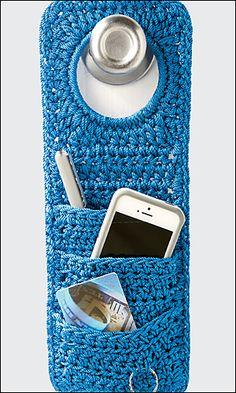 Crochet Diy Crochet World pattern: doorknob organizer. Crochet World, Crochet Diy, Crochet Home, Love Crochet, Crochet Gifts, Ravelry Crochet, Crochet Storage, Diy Crochet Organizer, Crochet Poncho