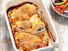 Parfaites pour un dîner vite prêt (quelques minutes de préparation avant cuisson au four), ces recettes vont simplifier vos dîners du quotidien. A déguster en famille pour faire plaisir aux petits …