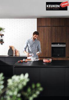 De zwarte keuken is anno 2021 heel populair. Begrijpelijk want zwart is chique, stoer, maar ook modern en industrieel! Kies voor een volledig zwarte keuken, inclusief keukenblad, of maak een mooie combi met bv. hout. Keuze te over! #zwartekeuken #industrielekeuken #modernekeuken #2021 #exlusievekeuken #keuken #keukeninspiratie #luxekeuken #populairekeuken #interieurinspiratie #wooninspiratie #stijlvollekeuken #stoerekeuken #keukenstore Budget, Modern, Style, Swag, Trendy Tree, Budgeting, Outfits