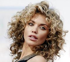 19 Gorgeous Haircuts for Naturally Curly Hair: AnnaLynne McCord Curly Hair