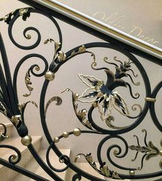 Modern Staircase Railing, Stair Railing Design, Iron Staircase, Iron Stair Railing, Metal Stairs, Fence Design, Classic Fence, Wrought Iron Handrail, Door And Window Design