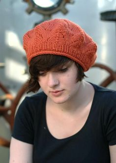 Free knitted hat pattern -- Skill level : Beginner