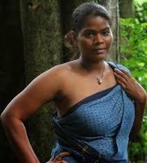 Desi blouseless Saree nude pics hairy