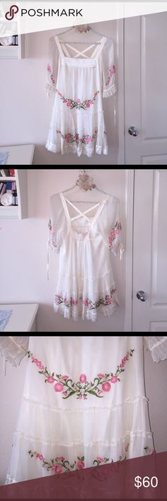 Bebe summer dress Size M, made in China. Not new, but never been wear. bebe Dresses Mini