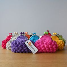 CROCHET PURSES by marietavigil, via Flickr  info@missentretelas.com