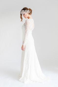 Wundervolles Brautkleid aus portugiesischer Spitze by Sina Fischer Couture-Francesca <3
