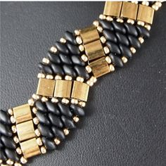 Black and Gold Super Duo and Tila Bracelet por ChainedByLightness