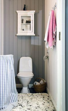 Pieni WC. Small toilet. #sukhi @sukhimatot