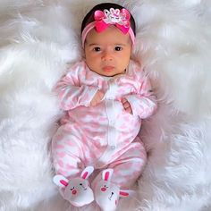 Cute Asian Babies, Cute Babies, Cute Little Baby, Baby Love, Baby Girl Fall Outfits, Real Life Baby Dolls, Chubby Babies, Baby Girl Pictures, Baby Smiles