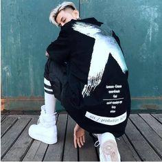 T-shirt Purinto X T Shirt Designs, Style Hip Hop, Tee Shirt Homme, Urban Street Style, Summer Shorts, Adidas Jacket, Short Sleeves, Hoodies, Jackets