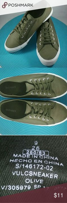 6bba3fb9312 Women s Old Navy Olive Sneakers Size  9 Color  Olive Style  Vulcsneaker  Condition