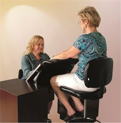 No More Looking Down While Doing Nails ... How one nail tech solved the problem. #nailbiz #nailtech www.OneMorePress.com