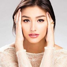 I think she is my favorite artist right now. i love to watch her movies. i love you ms liza Liza Soberano, Most Beautiful Faces, Beautiful People, Prity Girl, Aesthetic Women, Filipina Beauty, Microblading Eyebrows, Pretty Face, Pretty Woman