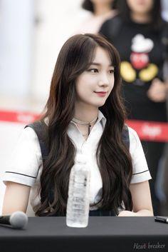 South Korean Girls, Korean Girl Groups, Pristin Roa, Kim Min Kyung, Pledis Girlz, Sistar, Pledis Entertainment, Girlfriends, Hairstyle