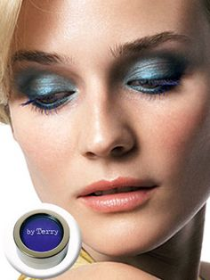 Smokey Eye in Blue