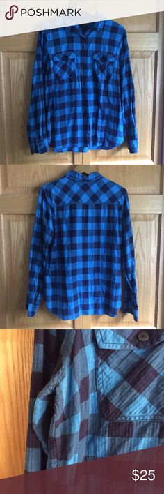 🆕 J.Crew Blue Buffalo Check Lightweight Flannel Soft Japanese flannel button up shirt from J.Crew! Great with a long sleeve tee underneath and a vest over! Good pre-loved condition - see picture 3 for details. Price reflects! Runs true to size. ❌NO TRADES❌NO LOWBALL OFFERS❌ J. Crew Tops Button Down Shirts