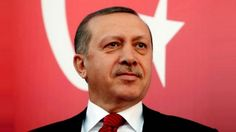Dipimpin Erdogan: 13 Tahun Lalu Turki adalah Pengemis Hutang Kini Pemberi Bantuan  Kenapa Erdogan Menakutkan? (1) Koran-koran Eropa tak kenal lelah menjuluki Tuan Erdogan sebagai fasis diktator dan penyumbat kebebasan berpendapat. Plus julukan sebagai Islamis. (2) Sesekali mereka menampilkan penangkapan wartawan yang telah mencaci maki Tuan Erdogan siang malam 24 jam. Caci maki yang lebih pantas disebut fitnah. (3) Di kesempatan lain. Hizbut Tahrir melalui laman resminya memuat tulisan Amal…