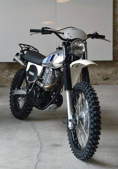 Ideas For Scrambler Motorcycle Yamaha Cars Trail Motorcycle, Tracker Motorcycle, Scrambler Motorcycle, Enduro Vintage, Vintage Bikes, Vintage Motorcycles, Custom Motorcycles, Yamaha Cafe Racer, Yamaha Motorcycles