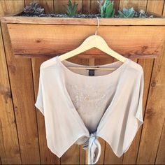 Boho tie top🎉SALE🎉 Worn a few times no flaws Silkland Tops Blouses