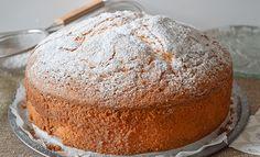 Hoy preparamos un bizcocho esponjoso, jugoso y, ¡realmente delicioso! Una receta infalible, ¡te quedará un bizcocho perfecto!