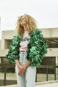Rachel Burke is a designer specialising in wearable art pieces made using salvaged garment bases and LOTS of tinsel Quirky Fashion, Fashion Art, Fashion Show, Fashion Outfits, Fashion Design, Pom Pom Jackets, Festival Outfits, Festival Wear, Refashion