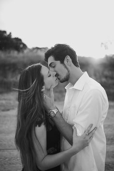 Dreamy / Wish / Romantic / Love / Engagement / Golden Hour / Smiles / Kisses / Candid / A Bohemian Folk Engagement In Hernando, MS