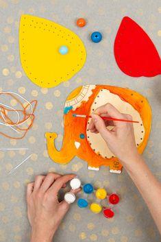 Najlepšie veci sú tie originálne - napríklad také, ktoré si deti zmajstrujú samy. Originálna peňaženka v tvare slona je z dreva a z filcu a treba ju zošiť, vyfarbiť, dotvoriť korálikmi... No námaha, ktorú do toho investujú sa vyplatí. Budú mať totiž jedinečnú vec, akú nik iný nemá. Playing Cards, Games, Toys, Cards, Game Cards, Game, Playing Card