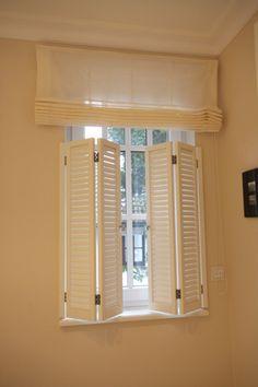 Lamellentüren/ Shutter fürs Fenster Entrance Hall, Shutters, Valance Curtains, Sweet Home, Homes, Bathroom, Home Decor, Driveway Gate, Windows