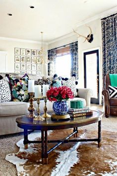 Southern State of Mind Reader Faves 7 Perfectly Preppy Eclectic Decorated Rooms Southern State of Mind Winter Living Room, Home Living Room, Living Room Decor, Cozy Living, Small Living, Apartment Living, Modern Living, Home Design, Interior Design