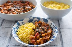 Clean eating chickpea curry recipe perfect for any weeknight . Healthy, easy and delicious using only a few wholesome ingredients. #glutenfree #vegan #dairyfree #cleaneating
