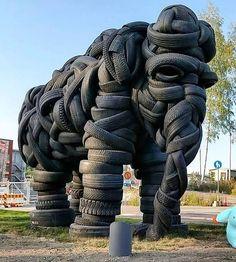 Amazing elephant tire sculpture 🐘 By villo C What is your favourite animal? Tag a friend Elephant Sculpture, Sculpture Art, Garden Sculpture, Sculptures, Foto Effects, Tire Art, Art Du Monde, Unusual Art, Unique Art