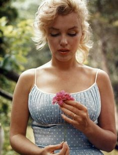 Marylin Monroe, Estilo Marilyn Monroe, Marilyn Monroe Artwork, Marilyn Monroe Fotos, Glamour Hollywoodien, Hollywood Glamour, Old Hollywood, Elizabeth Hurley, Rita Hayworth
