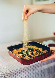 Deze röstischotel met zuurkool is het perfecte snelle, lowbudget, lekkere én gezonde recept. Het enige dat je nodig hebt is een oventje en een ovenschaal #zuurkool #vegan